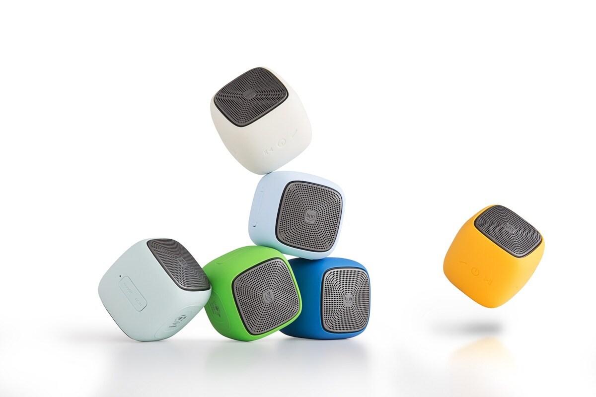 EDIFIER MP200 Portable Bluetooth Speaker Green - 1